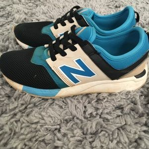 New Balance Boys Size 2 Sneakers